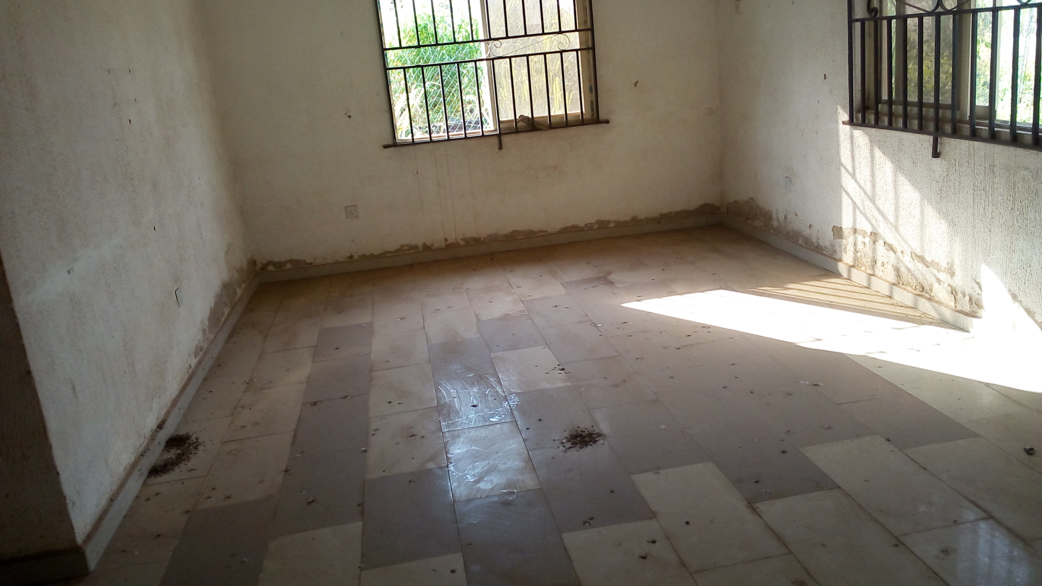THREE BEDROOM FLAT FOR RENT ON SANGO OTA
